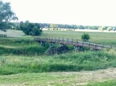 Die Holzbrücke über die Aland