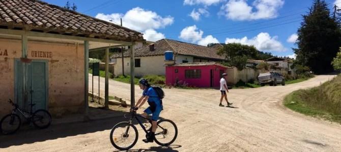 Mountainbiken in Kolumbien: Von Suesca nach Cucunubá (Bundesland Cundinamarca)