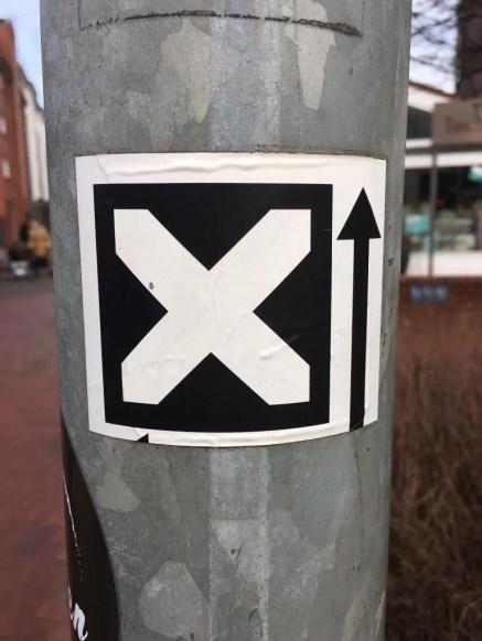 """""""X"""" - die Kennzeichnung des Europäischen Fernwanderwegs E1"""