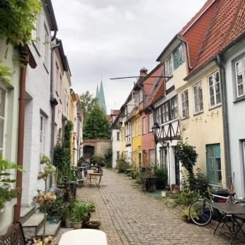 Eine der kleinen, alten Handwerkergassen in Lübecks Altstadt