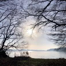 Blick über den winterlichen Belauer See in der Bornhöveder Seenkette