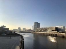 Blick zur HafenCity von der Baakenhafen Brücke
