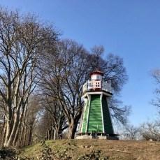 Der Leuchtturm auf der Bunthäuser Spitze in Hamburg Wilhelmsburg