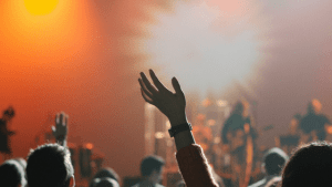 4 Reasons We Should Still Worship God Even When We Don't Feel Like It