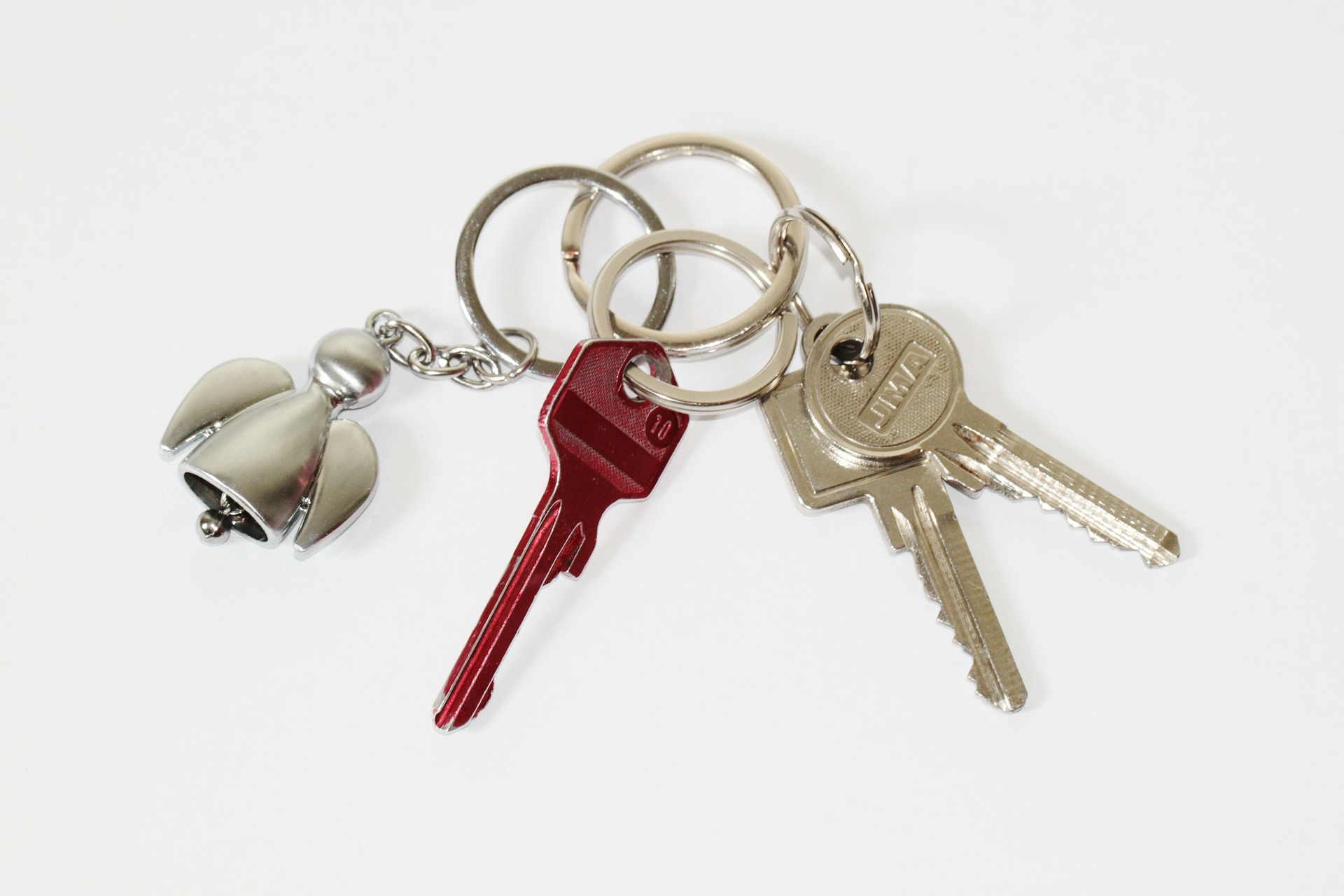 This image has an empty alt attribute; its file name is keys-1.jpg