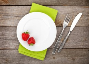 strawberries on a plate, small food portion