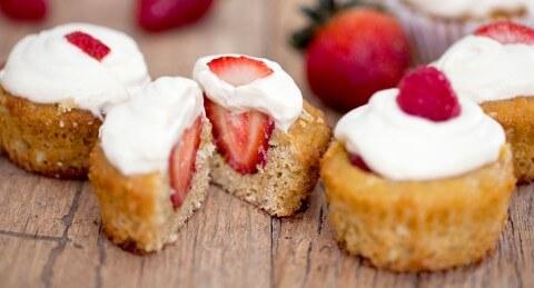 strawberry-shortcake-cupcakes cut open copy