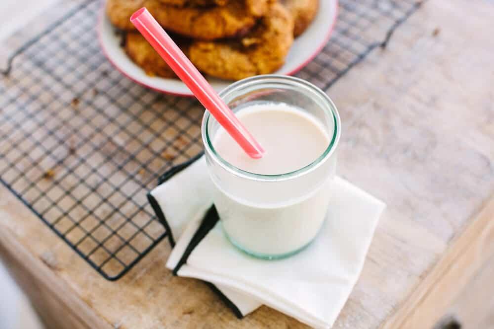 Homemade almond milk recipe - Dr. Axe