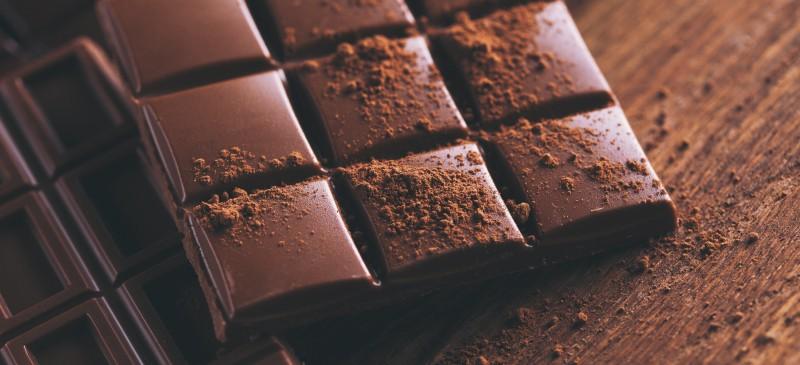 Image of dark chocolate afternoon work snack.