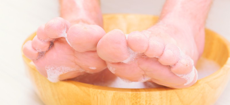 DIY detox foot soak - Dr. Axe
