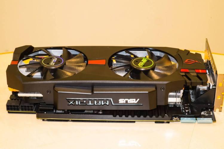 ASUS-Radeon-R9-280X-ROG-Matrix-4