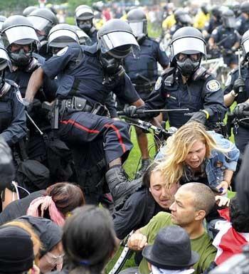 G20 police thuggery.jpg