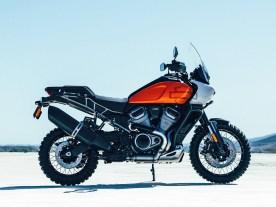 Eingefleischte Harleyfans müssen bei diesem Bild stark sein: Mit der geplanten »Pan America 1250« präsentiert Harley seine erste Reiseenduro
