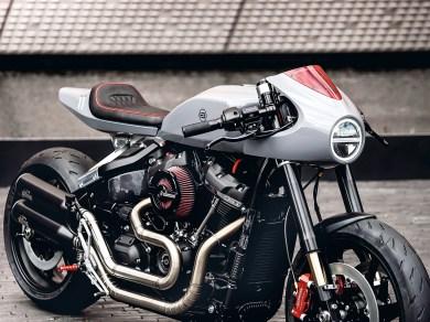 """Die """"Entcruiserung"""" der Fat Bob wird komplettiert durch die Umrüstung auf absolute Top-Komponenten: Öhlins-Fahrwerk, Beringer-Bremsen, 17-Zoll-Dymag-Schmiederäder mit Michelin-Power-RS-Gummis"""