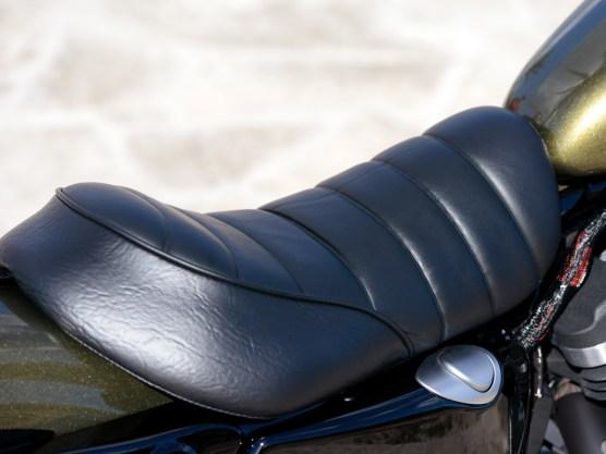 Die neue Sitzbank der Iron ist großzügiger gepolstert und bietet mehr Halt