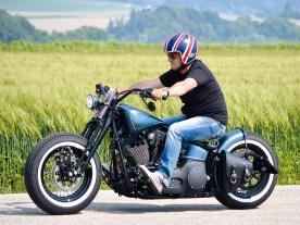 Auch aus einer Softail macht Mr. Bobber ein Bike, das zu seinem Namen passt