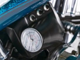 Die Platzierung des Manometers für das Airride-System gehört zu den Feinheiten eines Customaufbaus