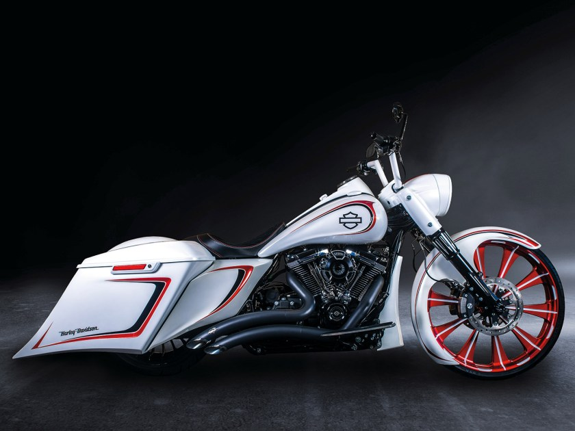 Harley-Davidson Road King Special  – White Pearl
