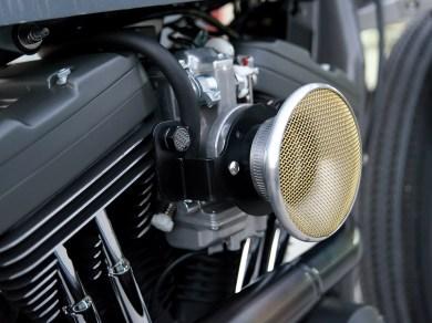 Der Big-Bore-Kit von Revolution Performance wird von einem 42er-Mikuni und einer Dynatec-Single-Fire-Zündung komplettiert