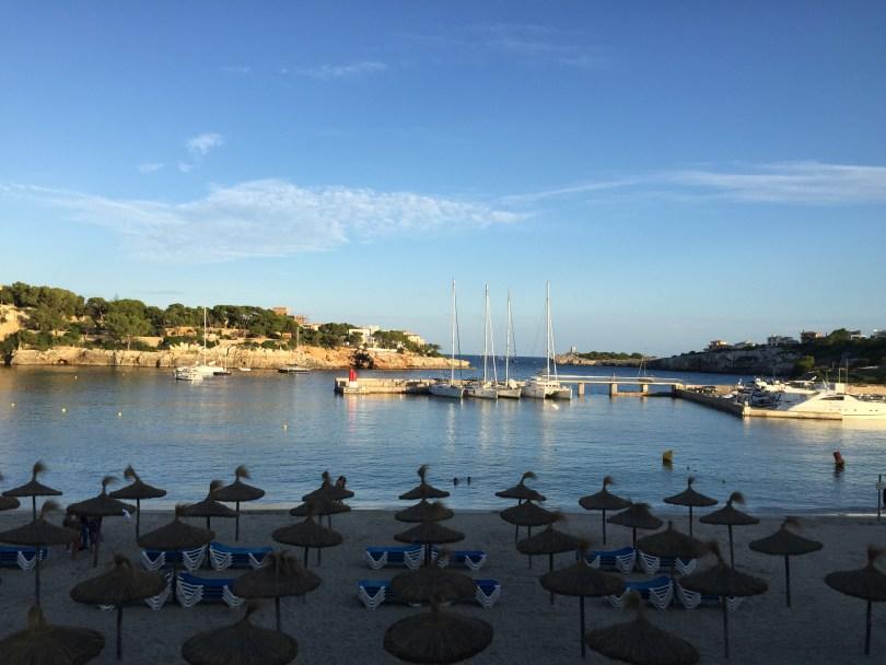 Mallorca Strand Porto Cristo in der Abenddämmerung