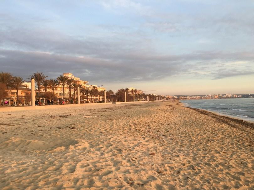 Leere Playa de Palma auf Mallorca