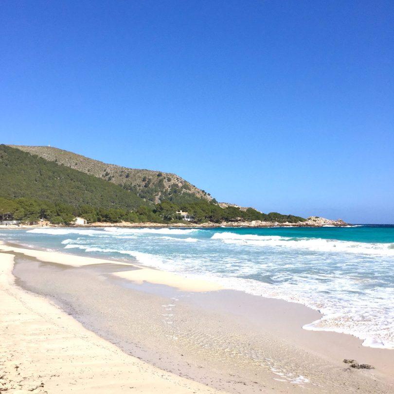 Mallorca Strand Cala Agulla beim Ort Cala Ratjada