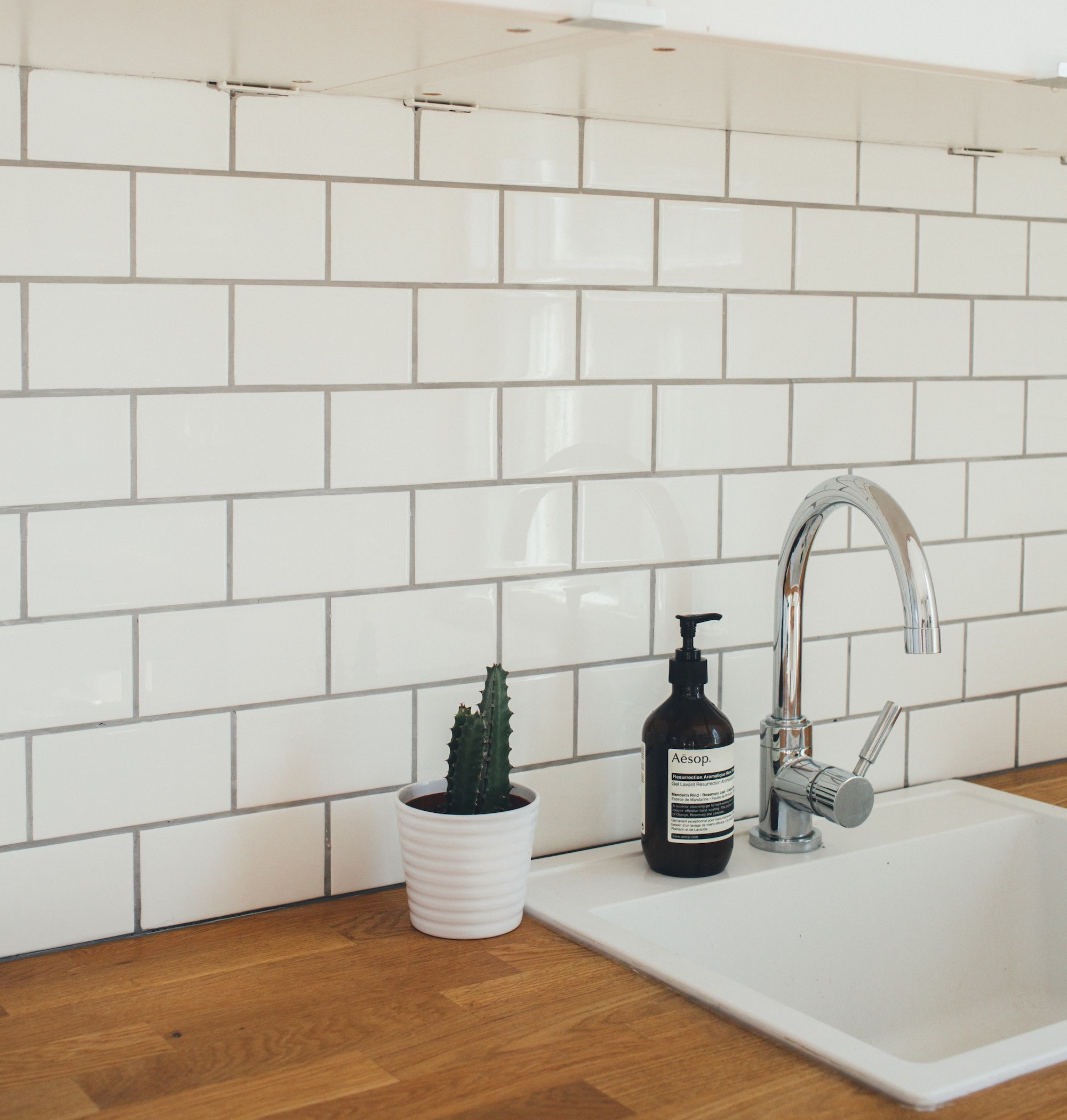 how to choose the best grout color