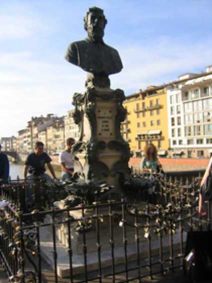 Bust of Benvenuto Cellini on Florence's Ponte Vecchio bridge