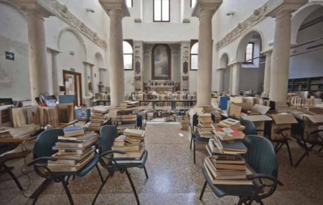 Books drying out in the Accademia