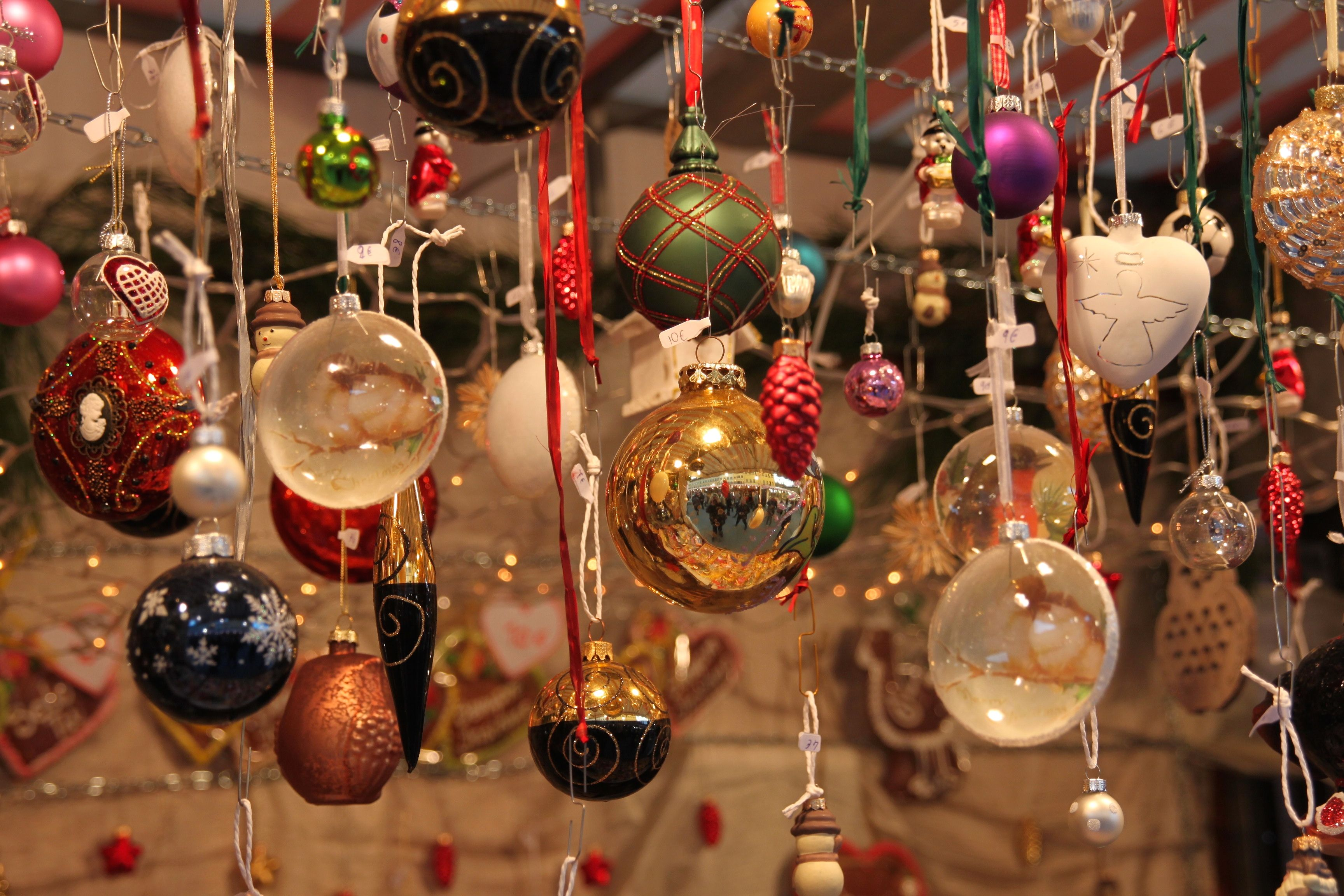 Italian 101     How to say Merry Christmas and Happy New Year     New Year in Italian  Christmas tree decorations