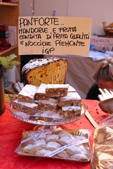 Panforte & traditional ricciarelli biscuits from Siena
