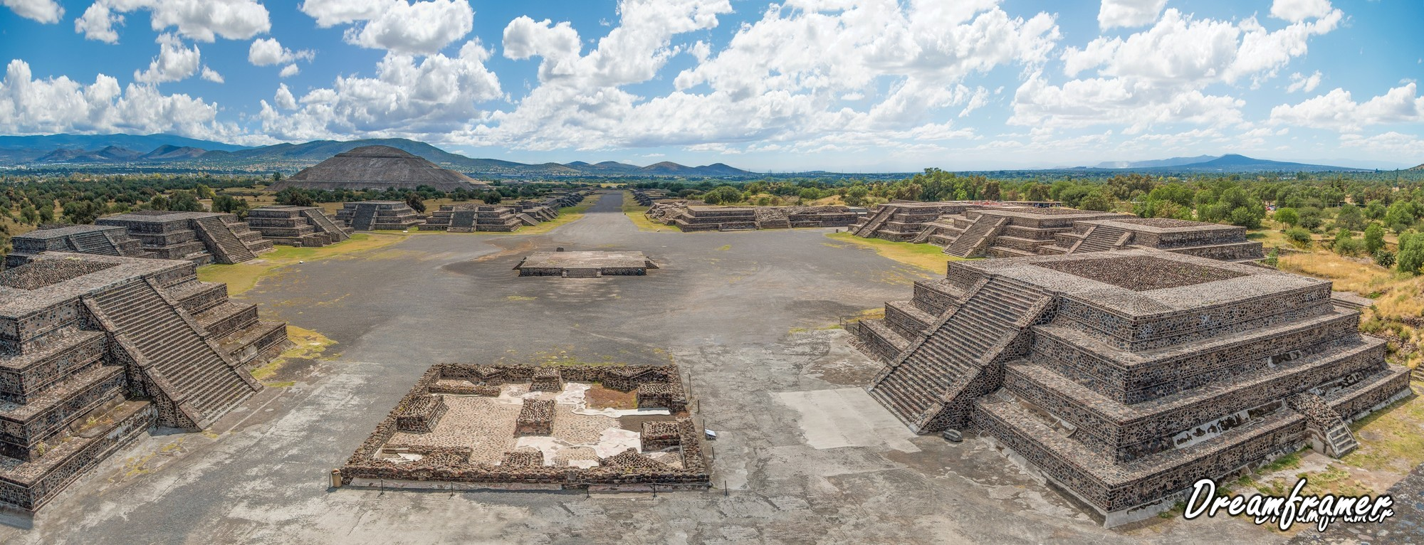 Teotihuacan Avenue of the Dead - ©Dreamframer