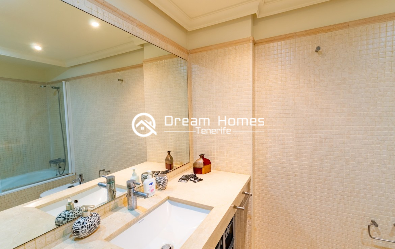 Balcon Gigantes II One Bedroom Apartment Puerto de Santiago Bathroom Real Estate Dream Homes Tenerife