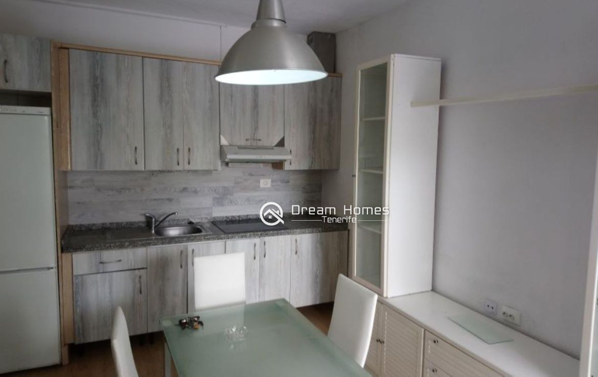 Great Location Apartment in Los Cristianos Kitchen Real Estate Dream Homes Tenerife