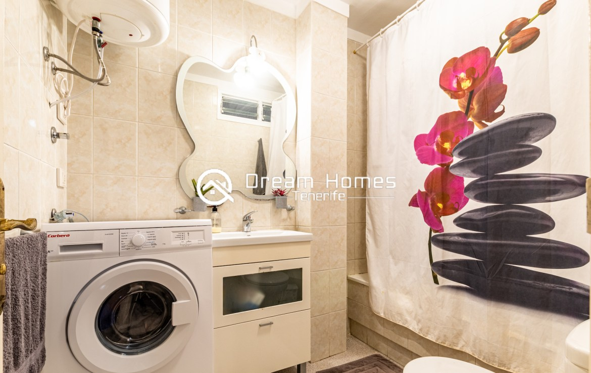 2 Bedroom Apartment in for rent in Colonial Park Bathroom Real Estate Dream Homes Tenerife