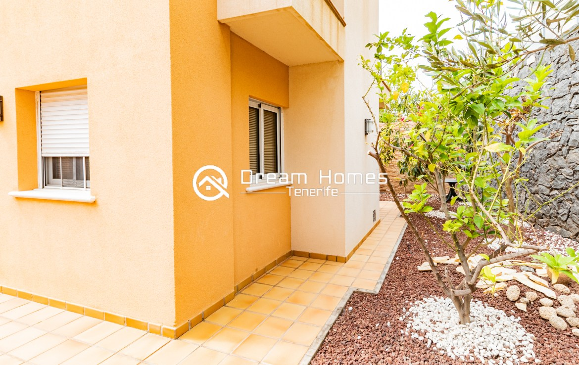 Spacious Villa with Private Pool Green Area Real Estate Dream Homes Tenerife