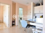 Modern One Bedroom Apartment with Pool Terrace (4)