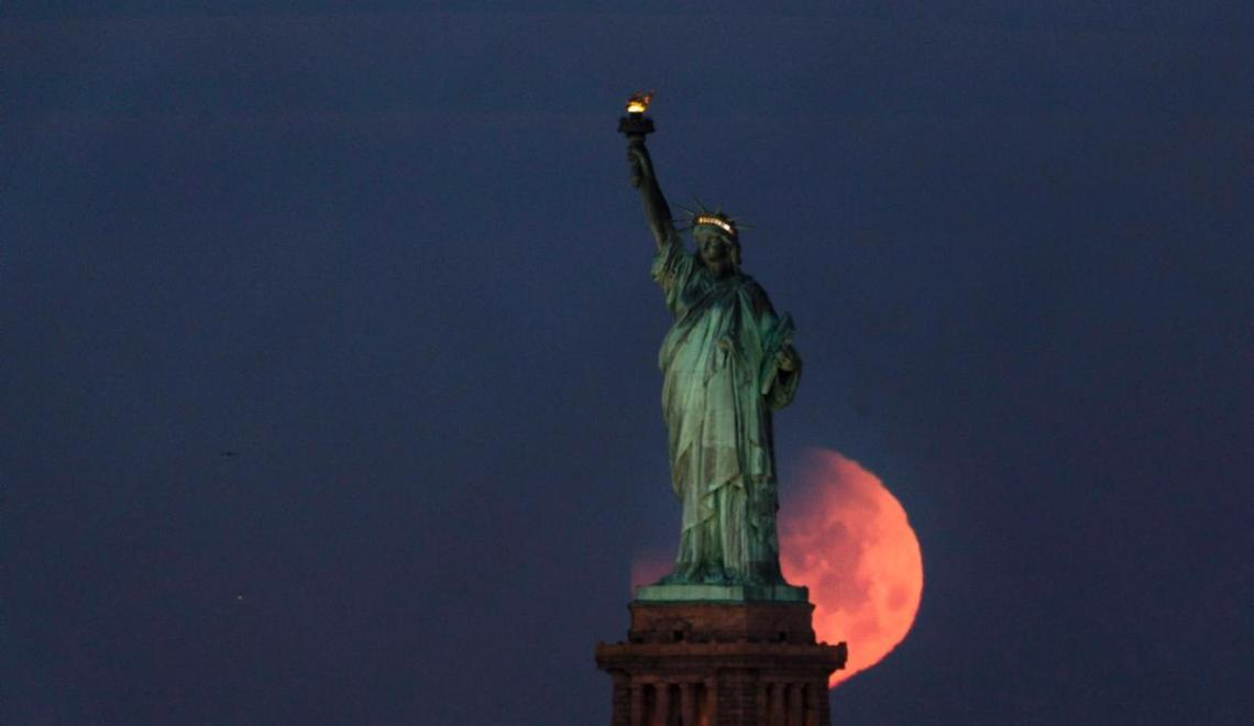 Happened After 152 Years: Super Blue Blood Moon Around The World