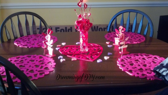 Valentine decorations; placemats