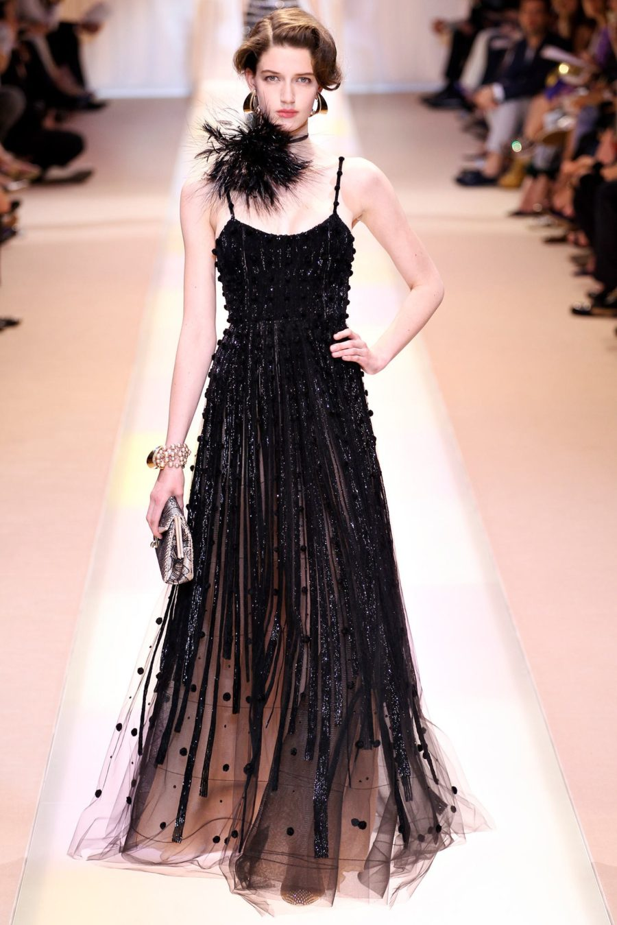 Fall Hairstyles Off the Runway I Armani Prive Couture Romantic Curls #Hairstyles #Armani #runway