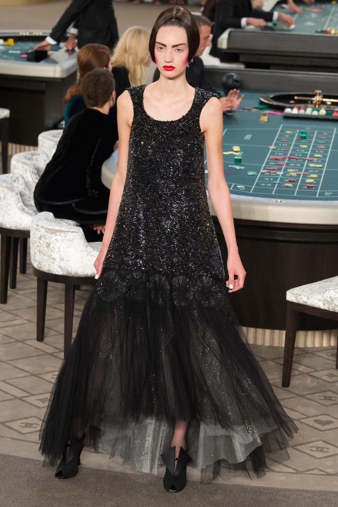 chanel-couture-fw15-runway-paris-look-59