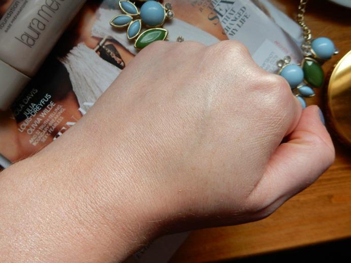 Beauty: Laura Mercier Radiance Primer Swatch - www.dreaminlace.com