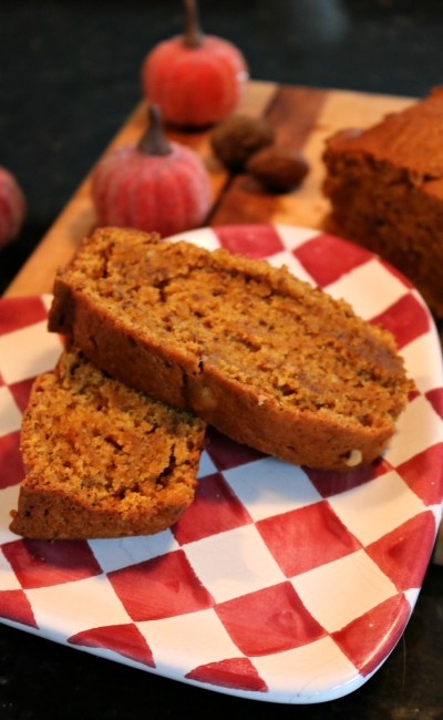 Easy and Addictive Vegan Pumpkin Bread