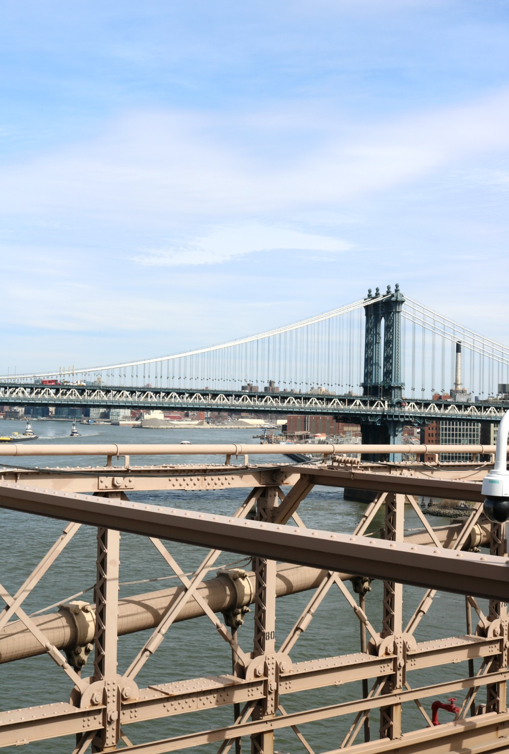 Affordable New York City Travel Guide I Brooklyn Bridge #Travel #TravelGuide #NYC