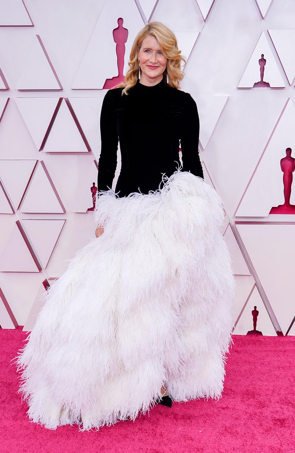 2021 Oscars Fashion I Laura Dern in Oscar de la Renta #fashionstyle #stylish