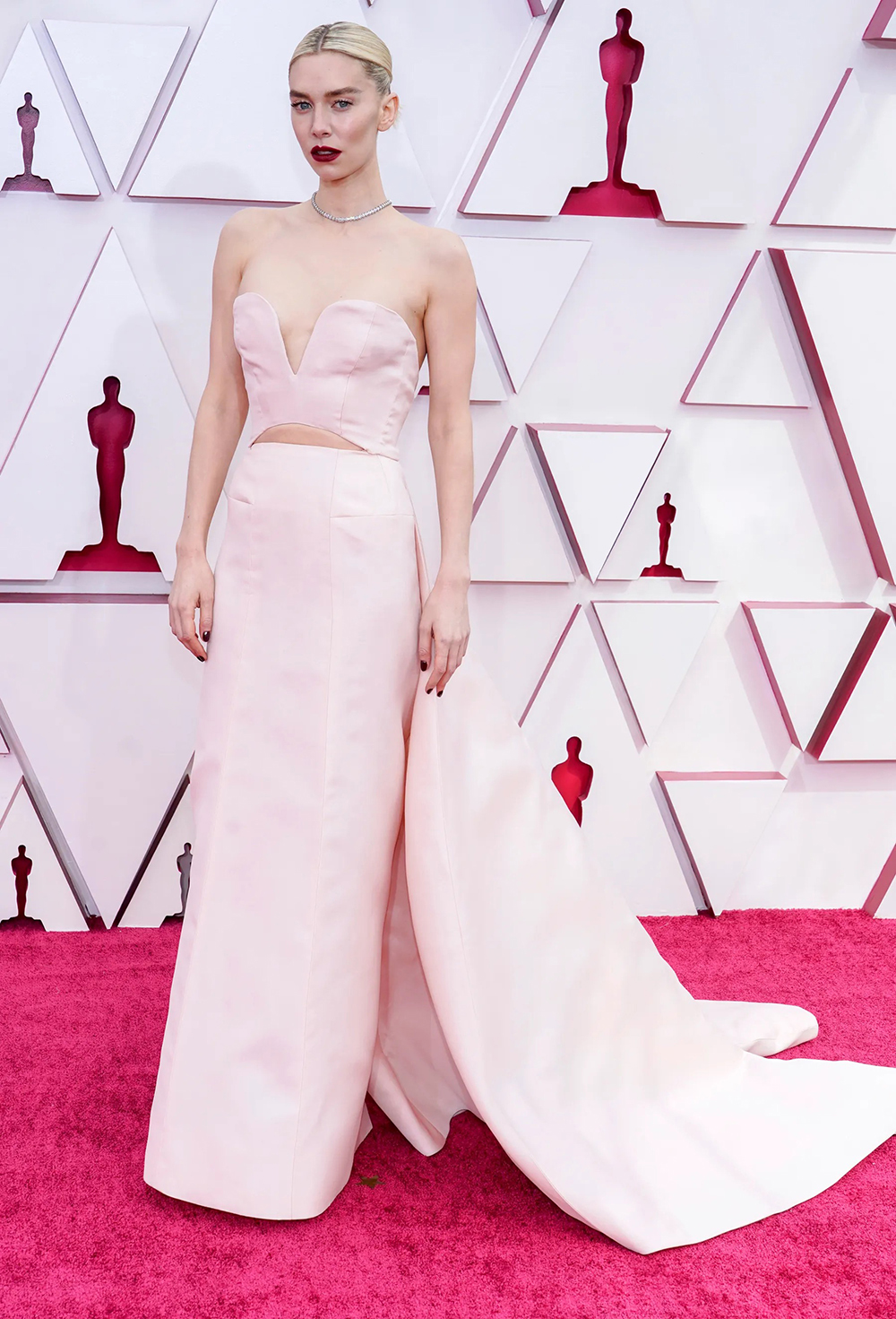 2021 Oscars Fashion I Vanessa Kirby in custom Gucci #fashionstyle #stylish