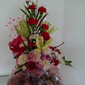 Dream Makers Florist Barbados Fruit Basket with Flowers