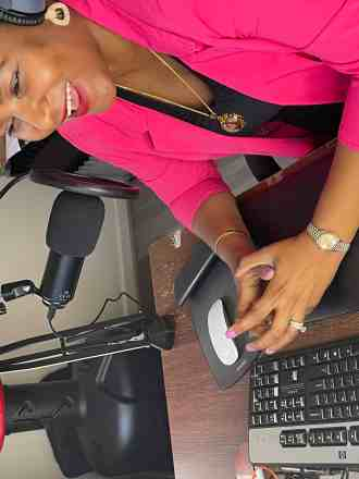 Woman podcasting wealthy dreams