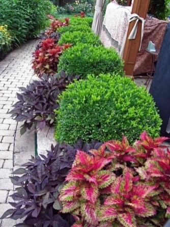 57 Impressive Front Garden Design Ideas To Try In Your Home 49