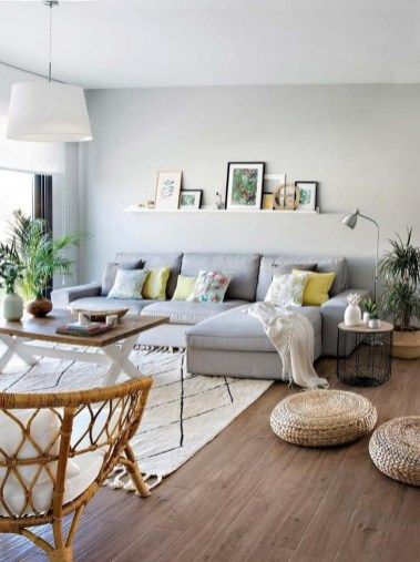 71 Inspiring Living Room Wall Decoration Ideas You Can Try 60